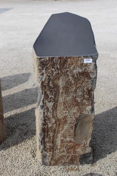 Basaltsäule mit polierten Kopf ca. 40x45x100cm