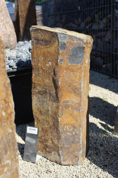 Quellsteinsäule aus Basalt ca. 24x18x55cm
